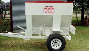 Farm and Ranch hitch range feeder